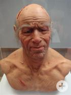 Nachbildung eines 60 Jahre alten Mannes