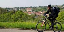 Radfahrer über Talheim